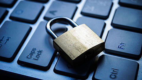 'Beveiligingsapp Facebook beveiligt juist niet'}