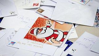 Kerstkaarten mogelijk 25 procent duurder vanwege tekort aan papierpulp