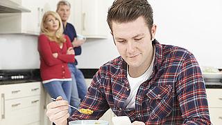 Meer studenten wonen thuis door leenstelsel