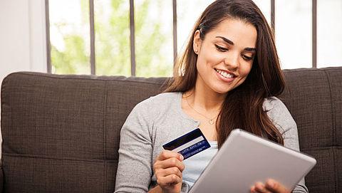Nederlanders winkelen voor 20 miljard euro online}