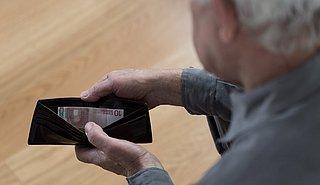 Pensioenfonds ABP gaat hulp aanbieden voor mensen met financiële problemen