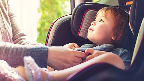Consumentenbond keurt twee kinderzitjes voor in de auto af}