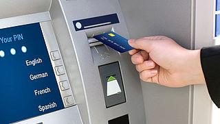 Banken moeten beter informeren over transactiekosten