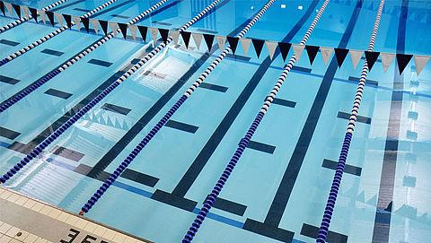 Gevaarlijk roestvrij staal weg uit zwembaden