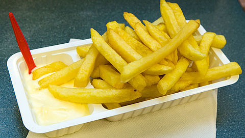 Snackbars zijn op zoek naar duurzame alternatieven voor plastic wit bakje