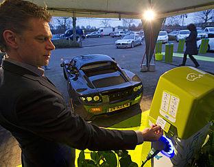 Elektrische Auto Bijladen Fors Duurder Radar Het