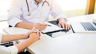 Artsen mogen langer medicijnen voorschrijven na online consult