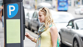 'Lager parkeertarief tegen winkelleegstand'