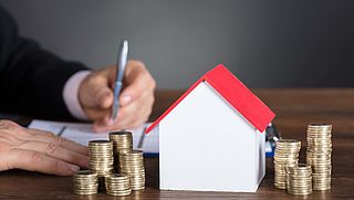 'Huurbemiddelaars dwangsom opgelegd vanwege bemiddelingskosten'