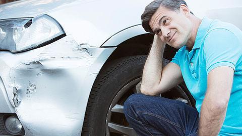 Kun je autoschade beter claimen of zelf betalen?