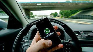 Coalitie: beschouw appen achter het stuur als roekeloos rijden