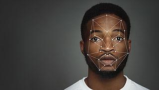 Privacy First kritisch op gebruik gezichtsscans bij balie gemeente
