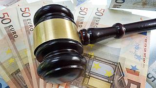 'Verlaag griffiekosten voor reguliere rechtspraak'