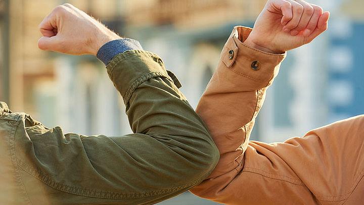 Gedagzoenen en niezen in je hand? Ook na corona liever niet meer