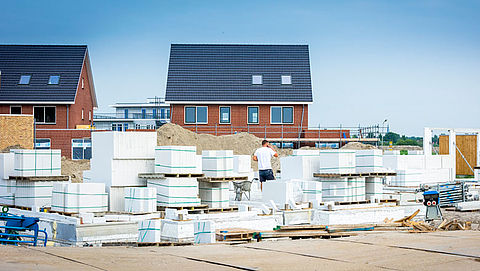 'Rijk moet de woningbouwproductie opvoeren'}