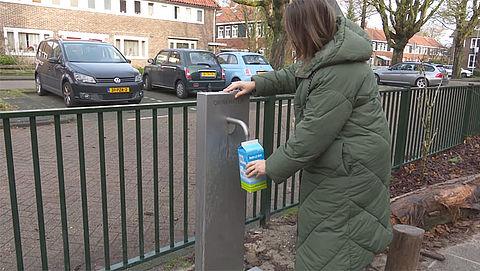 Lood in drinkwater, dan maar tappen bij de waterpomp