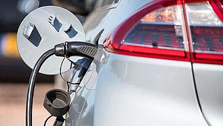 Elektrisch rijden steeds goedkoper, maar waar blijven de tweedehandsjes?