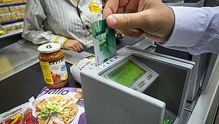 Verbod op extra kosten voor pinbetalingen in winkels