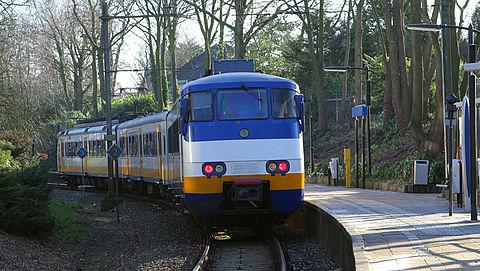 ProRail maakt 20 miljard vrij om drukte in treinen aan te pakken}
