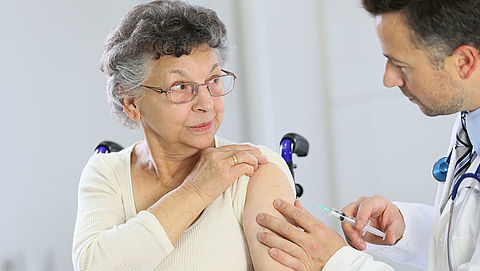 'Ent ouderen in tegen gordelroos met goedkoper vaccin'}