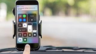 Automatisch bericht versturen met je iPhone tijdens autorit