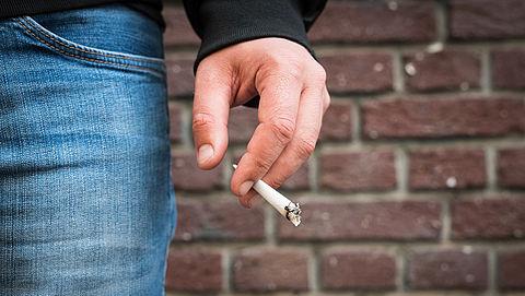 'Zieke roker die stopt leeft 5 jaar langer'}