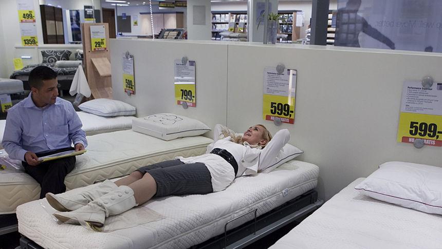 Nieuwe Matras Stinkt : Zijn matrassen wel of niet gevaarlijk door gifstof radar het