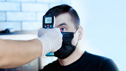 'Werkgevers mogen jouw lichaamstemperatuur niet zomaar meten'