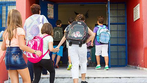 Bussemaker wil vetorecht voor ouders bij fusie school