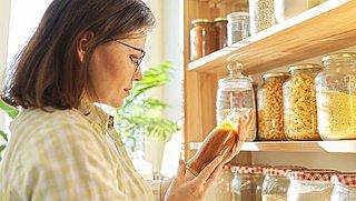Zo lang blijven deze producten in je voorraadkast eetbaar
