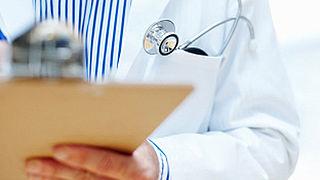 Tweehonderd artsen aan bed