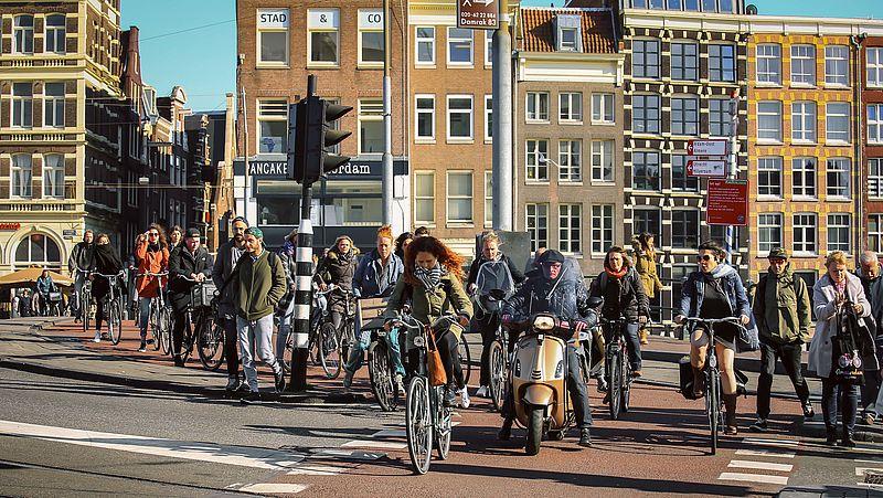 Aantal telefoongebruikers op de fiets neemt af