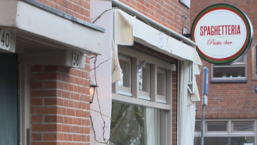 Restaurantketen Spaghetteria neemt alleen mannen aan | Radar checkt