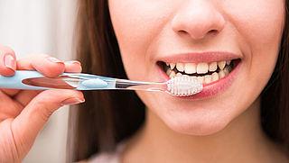 Lezerscolumn: Tandpasta voor vieze, grauwe, doffe tanden?