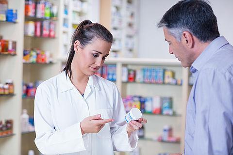Apotheker verstrekt vaak niet door arts voorgeschreven medicijn}