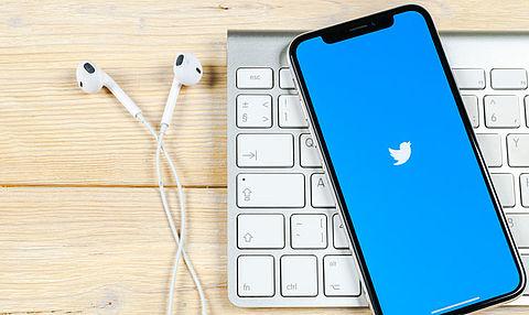 Twitter geeft gebruikers de mogelijkheid om aanstootgevende tweet te herzien