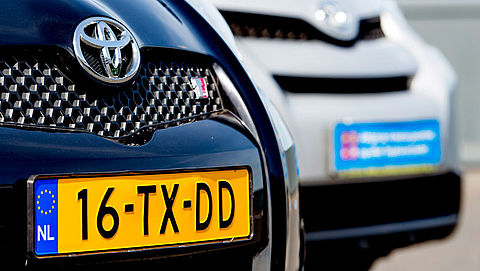 Toyota roept 60.000 Nederlandse auto's terug door airbagproblemen}