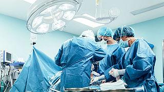 Meer kans op overlijden: 'Test op corona voor operatie'