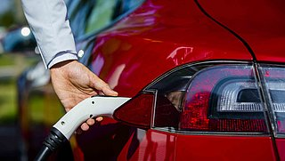 Consumentenbond: 'Misleiding bij advertenties tweedehands elektrische auto's'