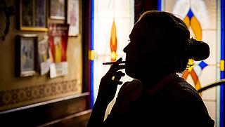 Verbod op rookruimtes in openbare gebouwen vanaf juli 2021, bedrijfsleven volgt in 2022