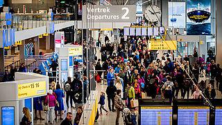 Problemen met inchecken op Schiphol en andere luchthavens door storing