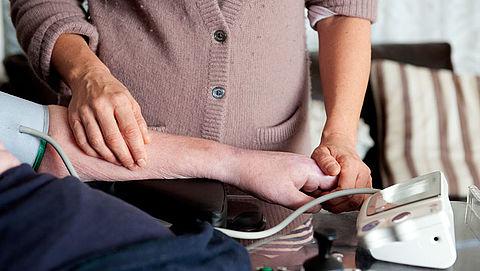 'Dementerende ouderen met hoge bloeddruk mogelijk minder agressief'
