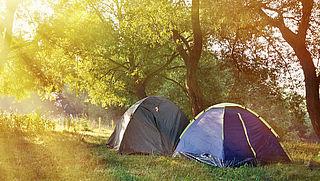 Wildkampeerterreinen dicht wegens overlast