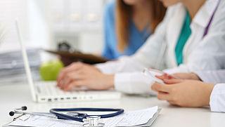 Fysio en orthodontist waarschuwen voor te dure aanvullende verzekering
