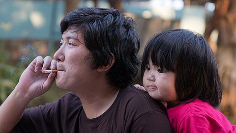Kinderartsen doen ook aangifte tegen tabaksindustrie}