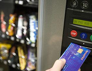 Bankpas niet klaar voor snoepautomaat