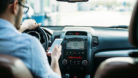 ANWB moedigt kinderen aan om appende ouders in het verkeer te corrigeren