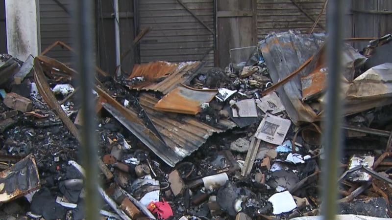 In de uitzending : Opslagbedrijf laat mensen niet bij spullen na brand | Handelsverdrag CETA