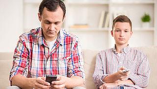 Abonnement mobiele telefonie steeds vaker ook in pakket