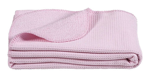 Leen Bakker haalt roze babydeken terug